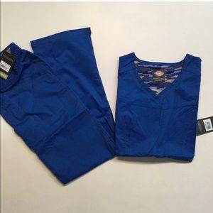 Dickies royal blue scrub set NWT small